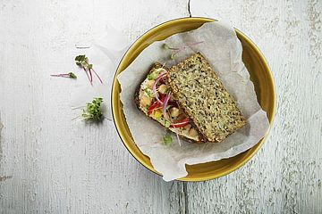 VegiPan, Hummus, Brot